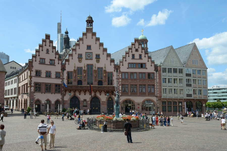 Roemer_Copyright-visitfrankfurt_Holger-Ullmann_front_magnific