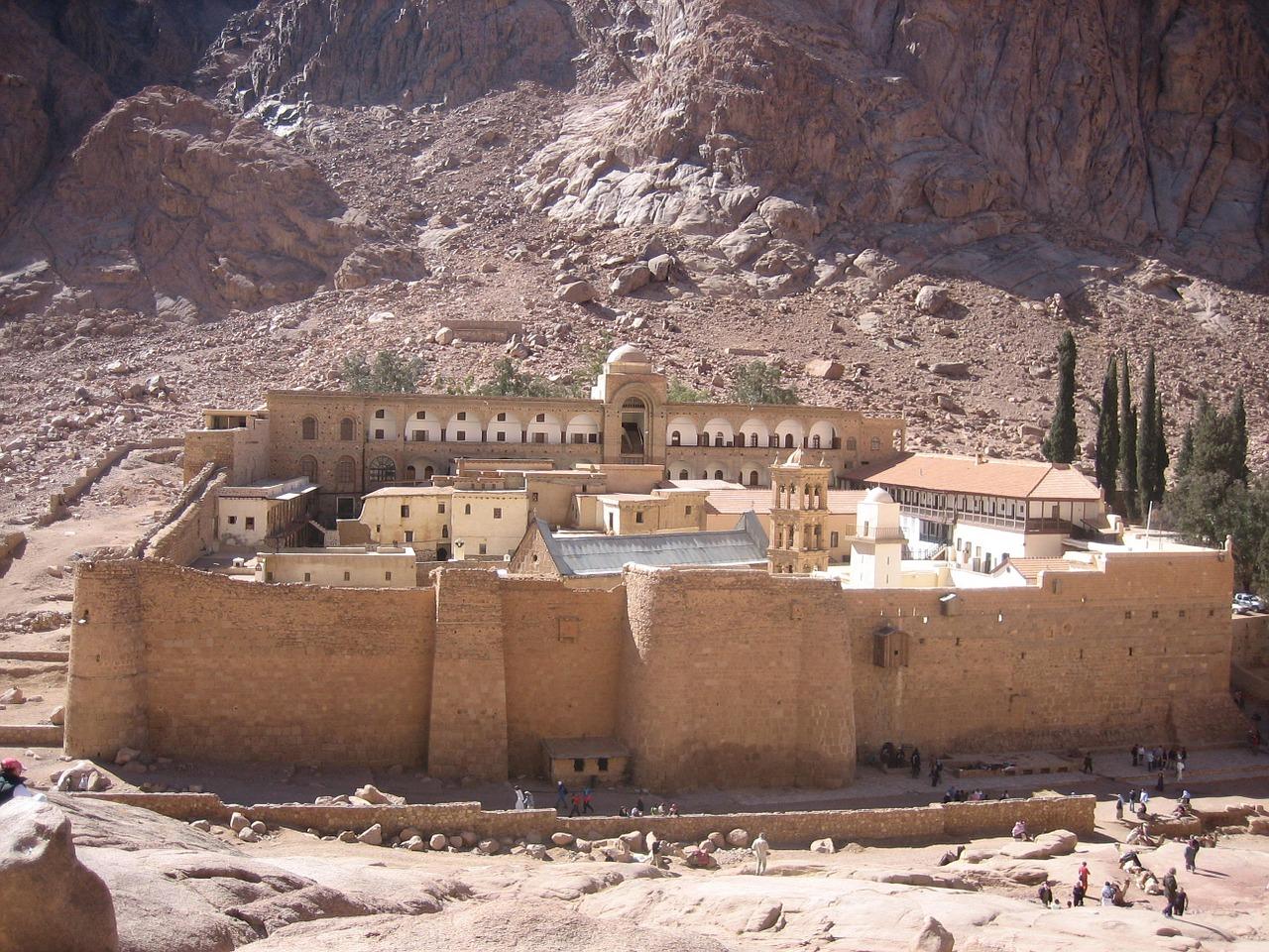 catherines-monastery-1443489_1280