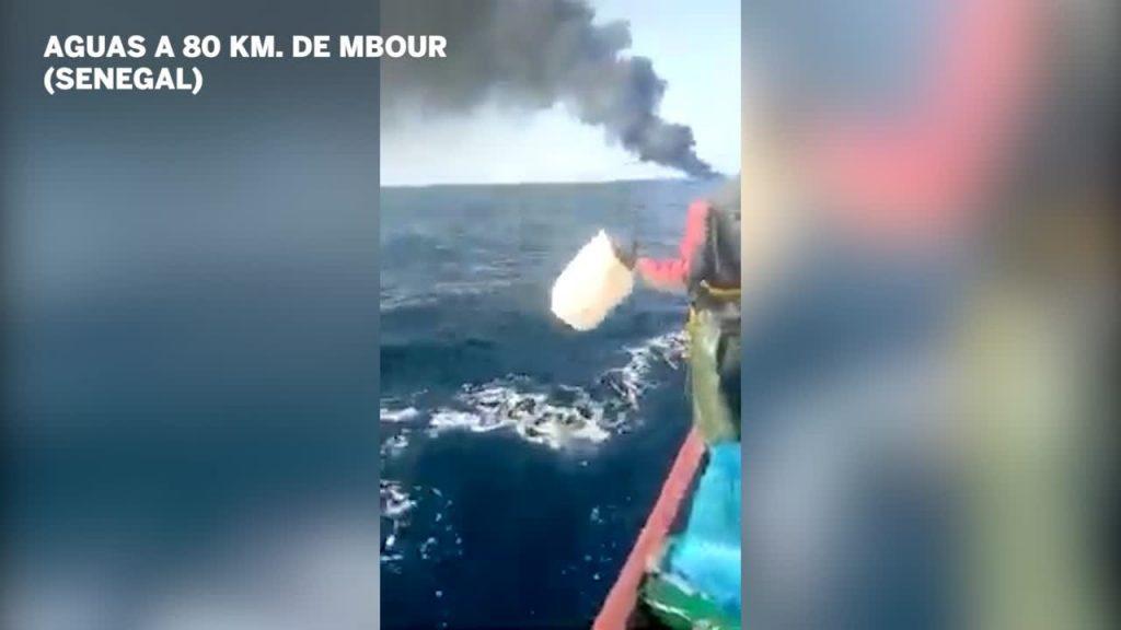Brennendes Boot vor Senegal Foto El País